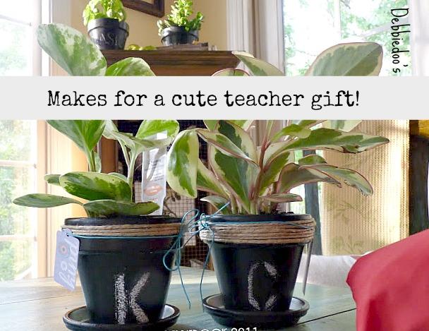 chalkboard on terra cotta pots for a teacher gift