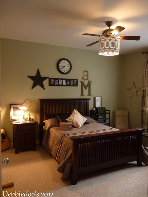 Teen Boys Bedroom Makeover Debbiedoo S