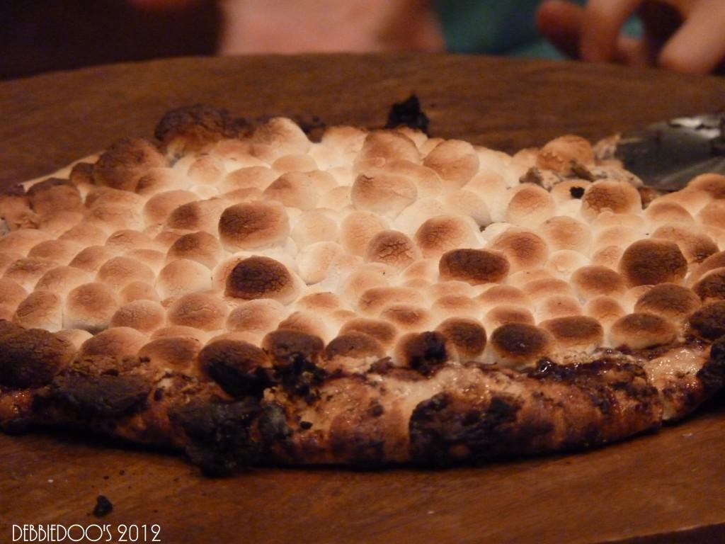 P1170218-1024x768 Nutella dessert pizza!