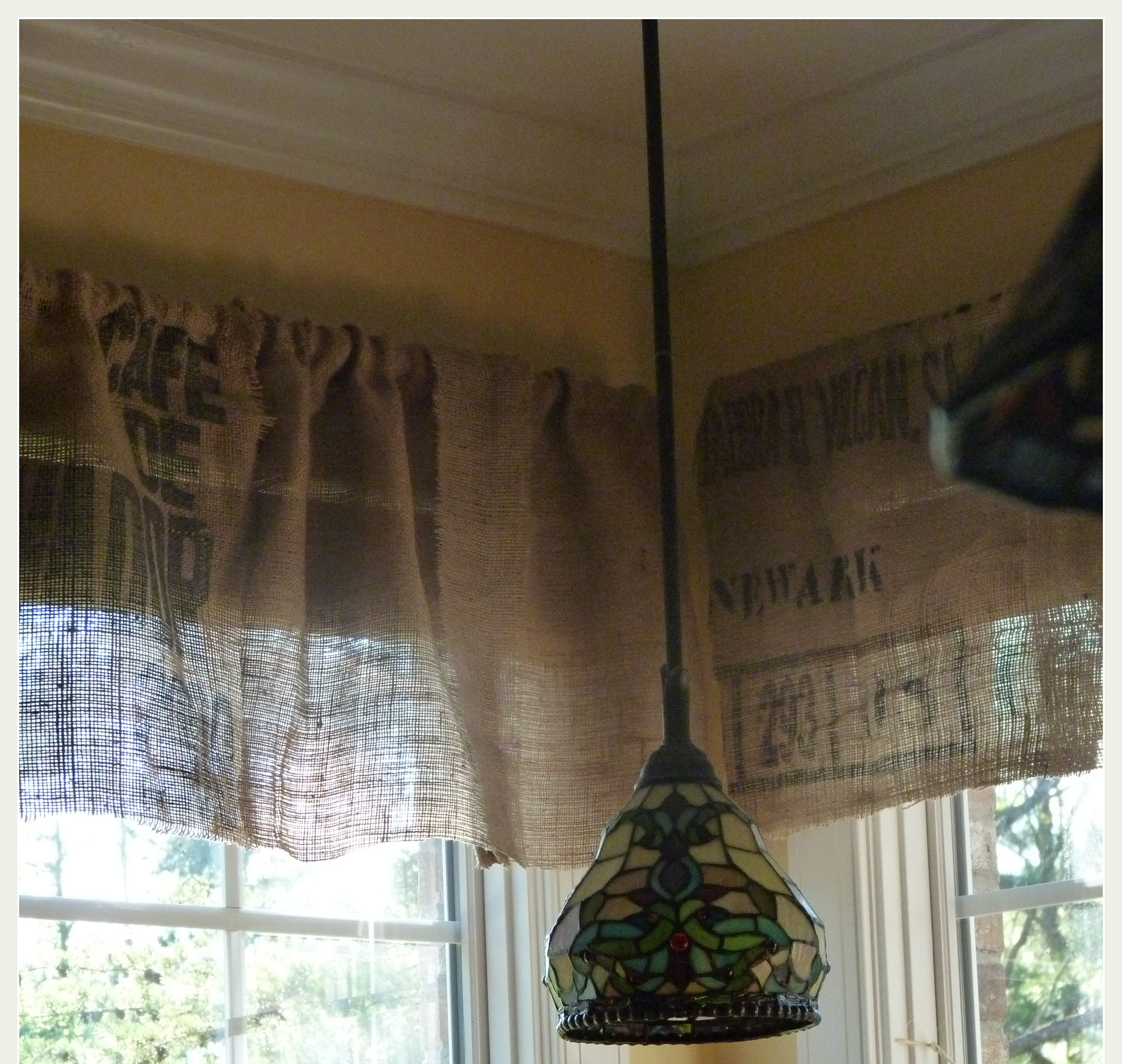 Diy No Sew Burlap Kitchen Valances...made From Coffee Bags
