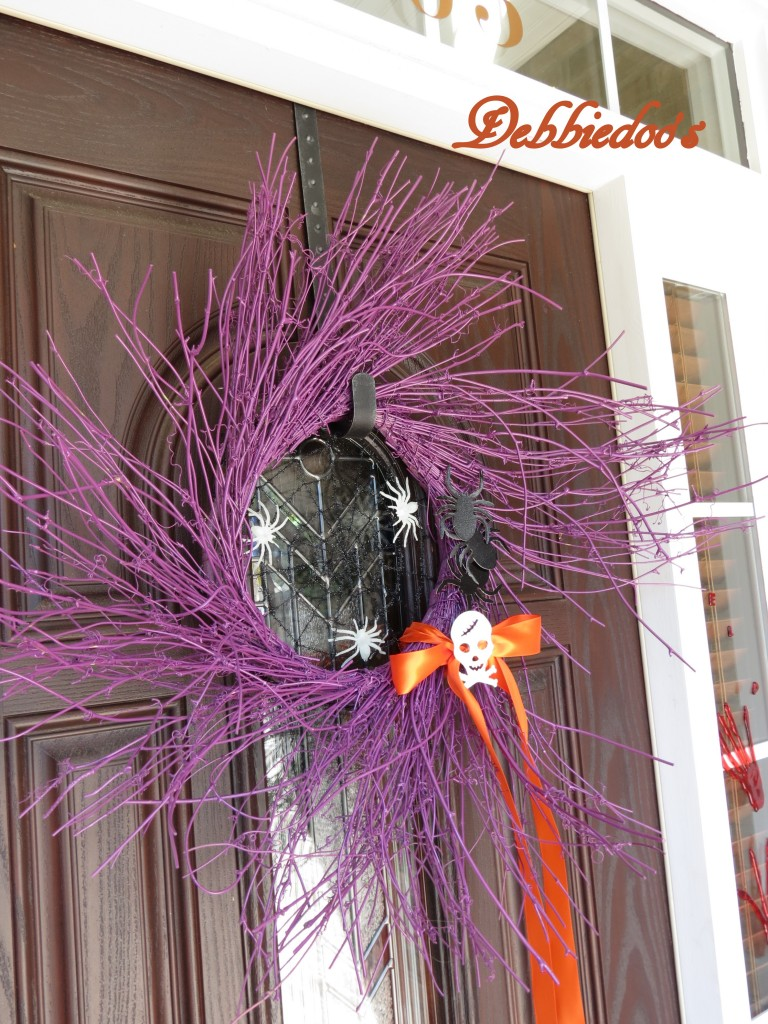 Halloween wreath spray painted purple
