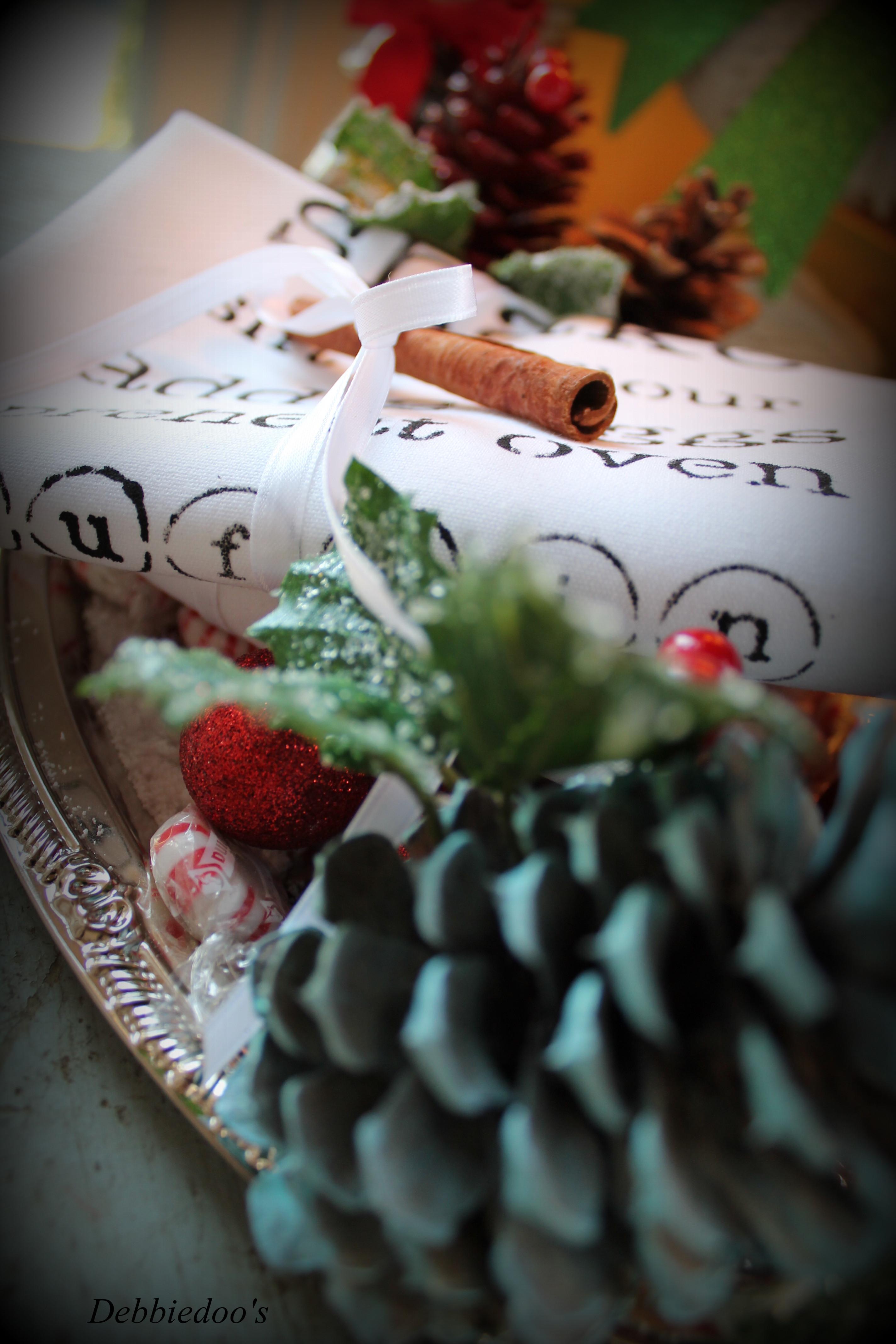 Stenciled tea towel for Christmas gift idea