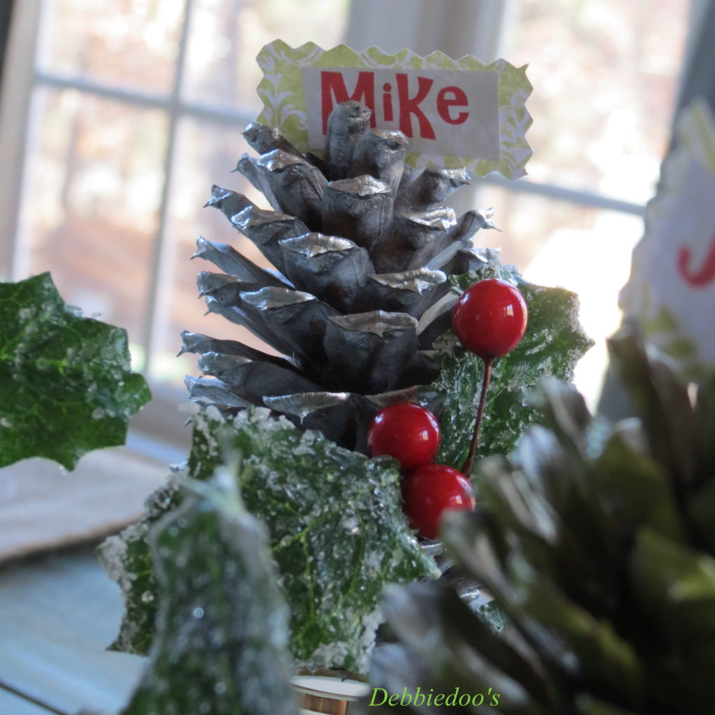 placesetting-pinecone