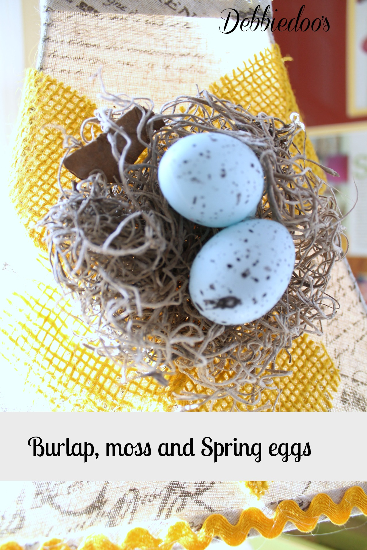 Burlap, moss and Spring eggs