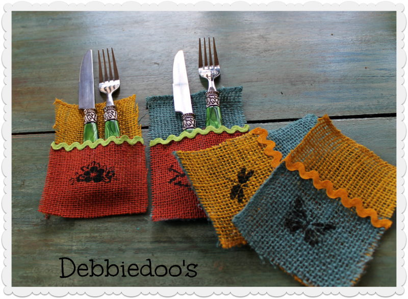 burlap utensil place setting