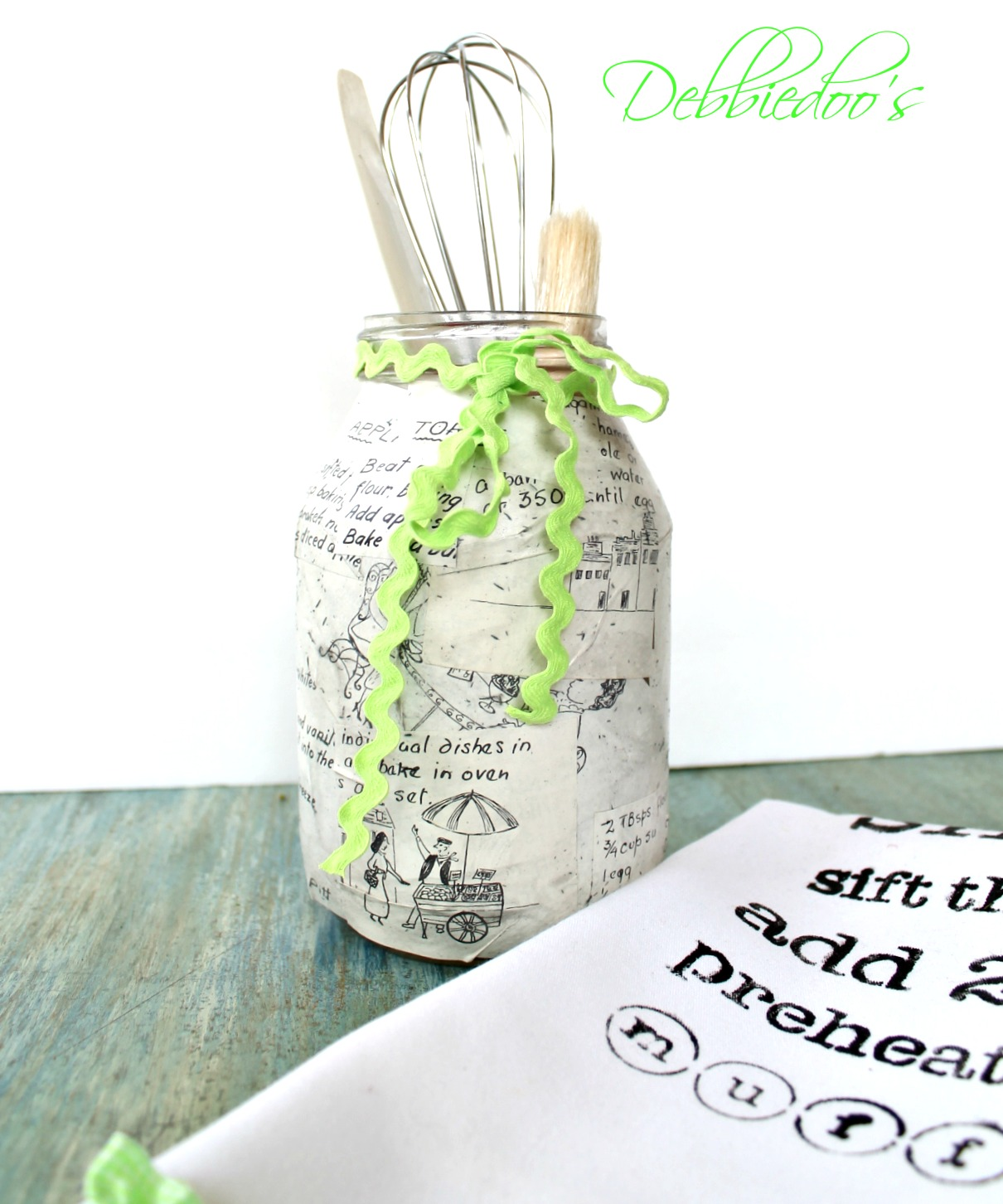 Upcycled jar painted and stenciled 043