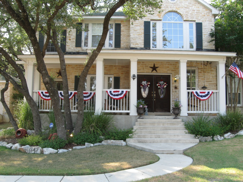 San antonio texas traditional style home tour debbiedoos for Traditional style house