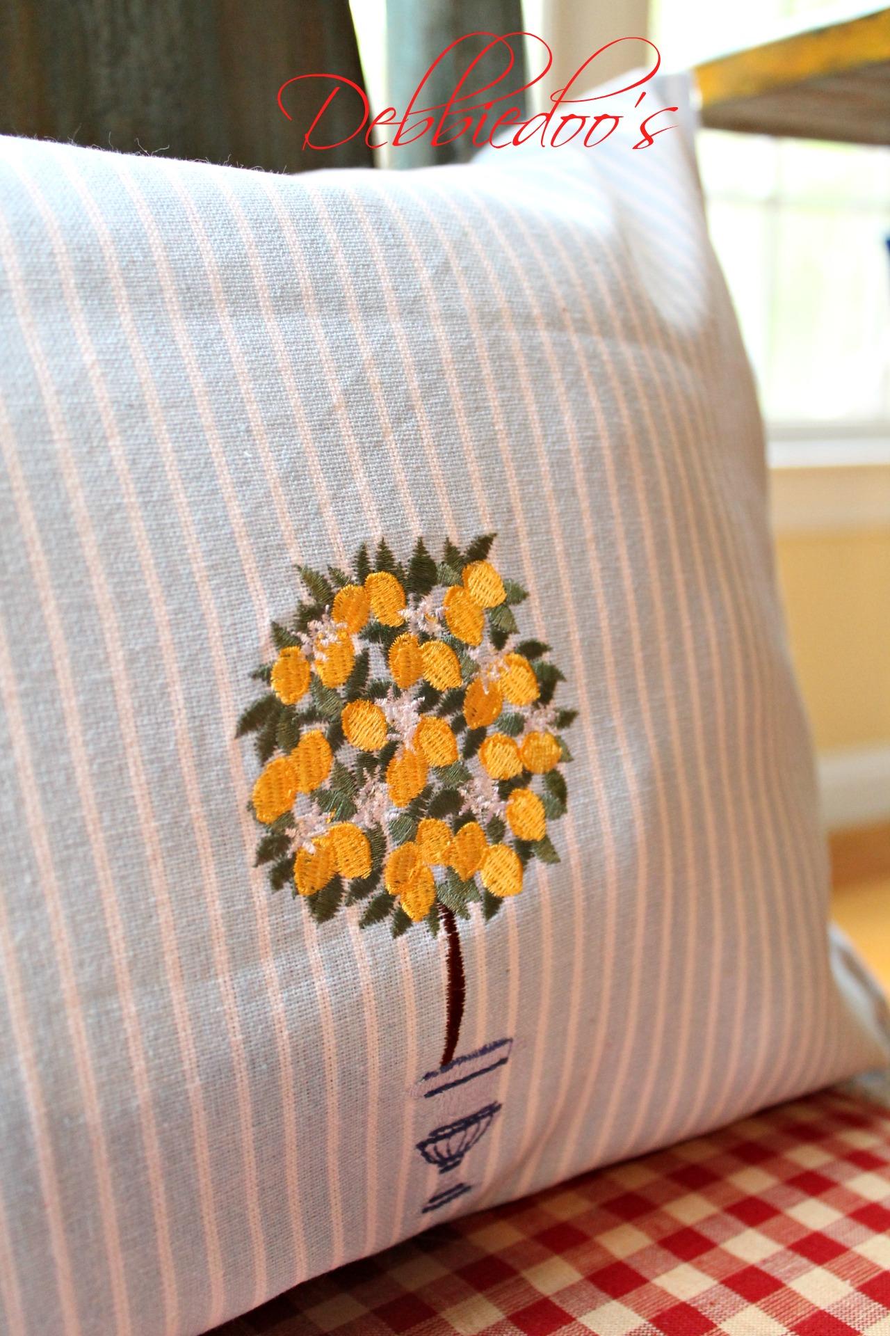 dishtowel pillows 009