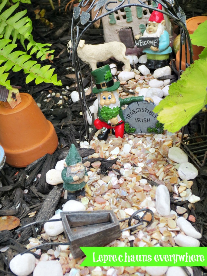 What is a Fairy garden Debbiedoos