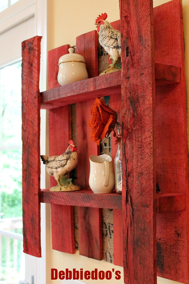 How To Make A Wooden Pallet Shelves : How to make your own diy pallet shelf with burlap and chicken wire ...