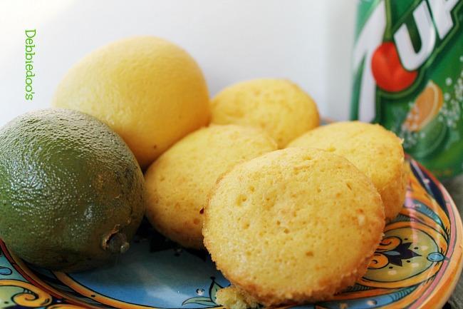 lemon cupcakes 015