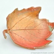 diy clay leaf bowl
