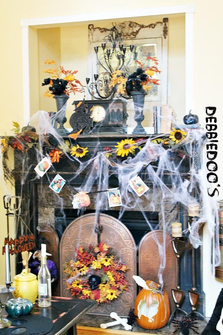 Halloween mantel 2013