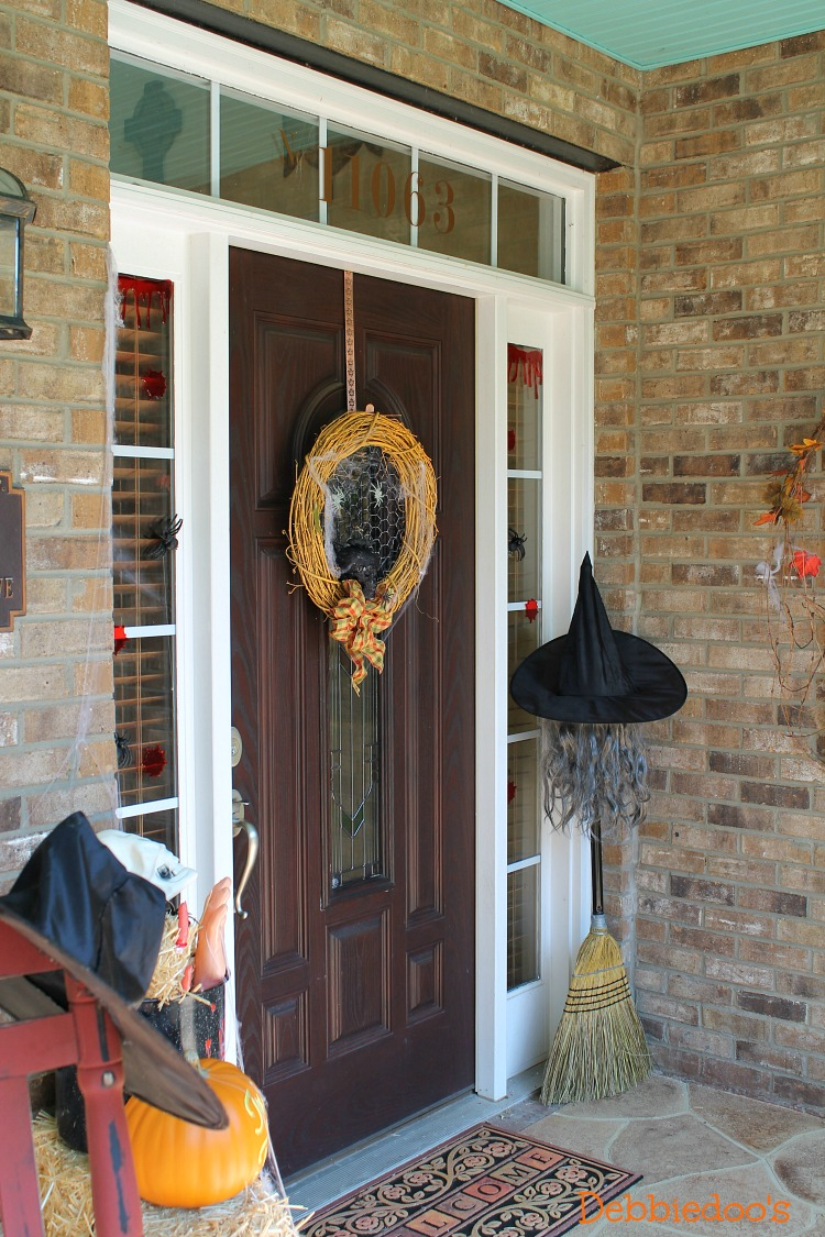 Front porch decorated for Halloween
