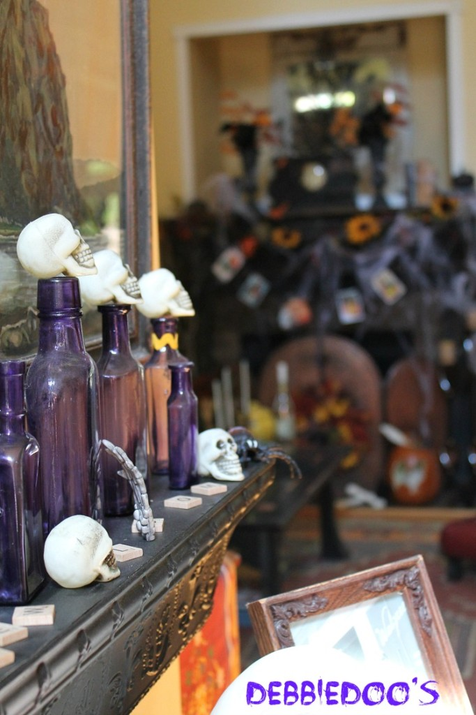 Halloween-porch-and-mantel-0421