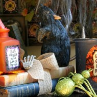 Halloween porch and mantel 086
