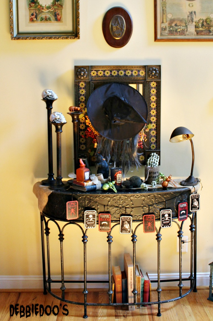Halloween vignettes and decorating ideas