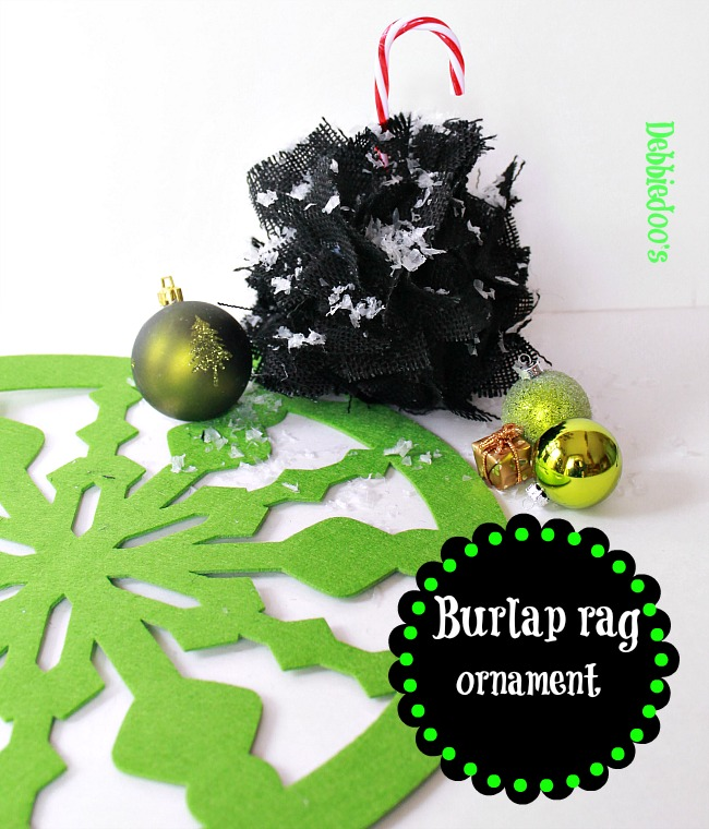 How to make a burlap Christmas ornament