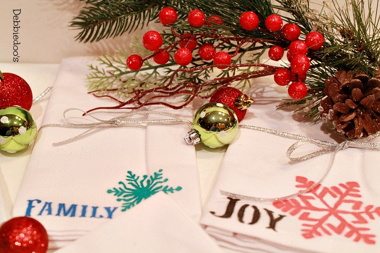 diy Holiday napkins with fabric markers 012