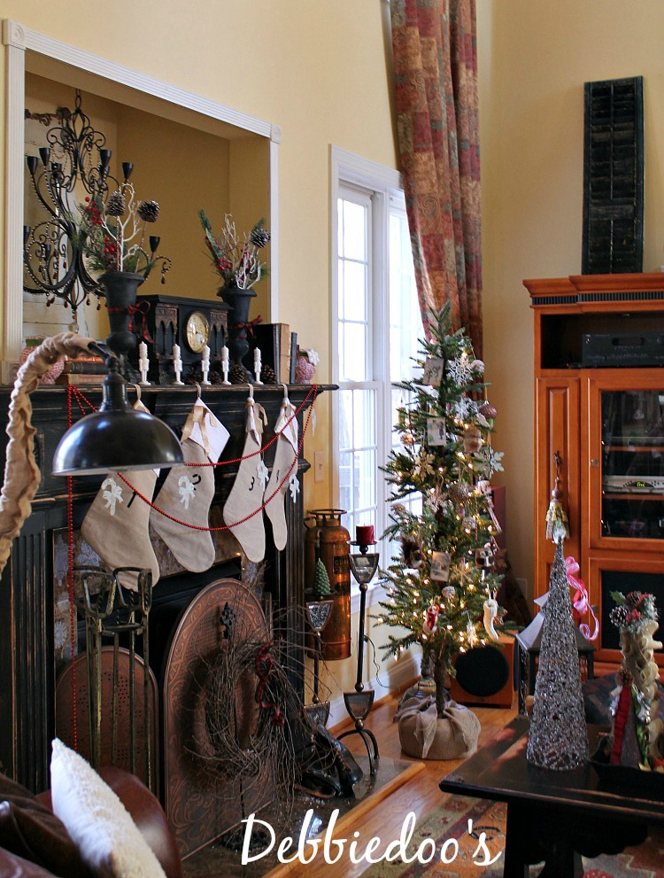 Christmas mantel with burlap stockings