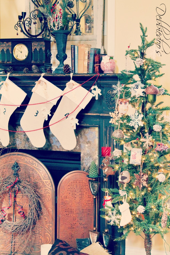 burlap stenciled christmas stockings