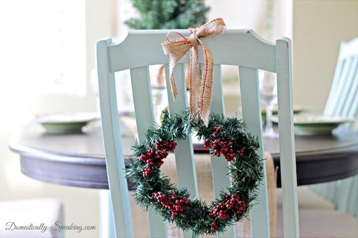 Christmas-Home-Tour-2013-Dollar-Tree-Wreath1