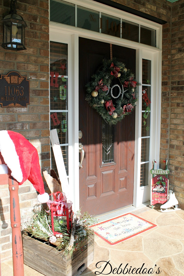 Christmas porch 019