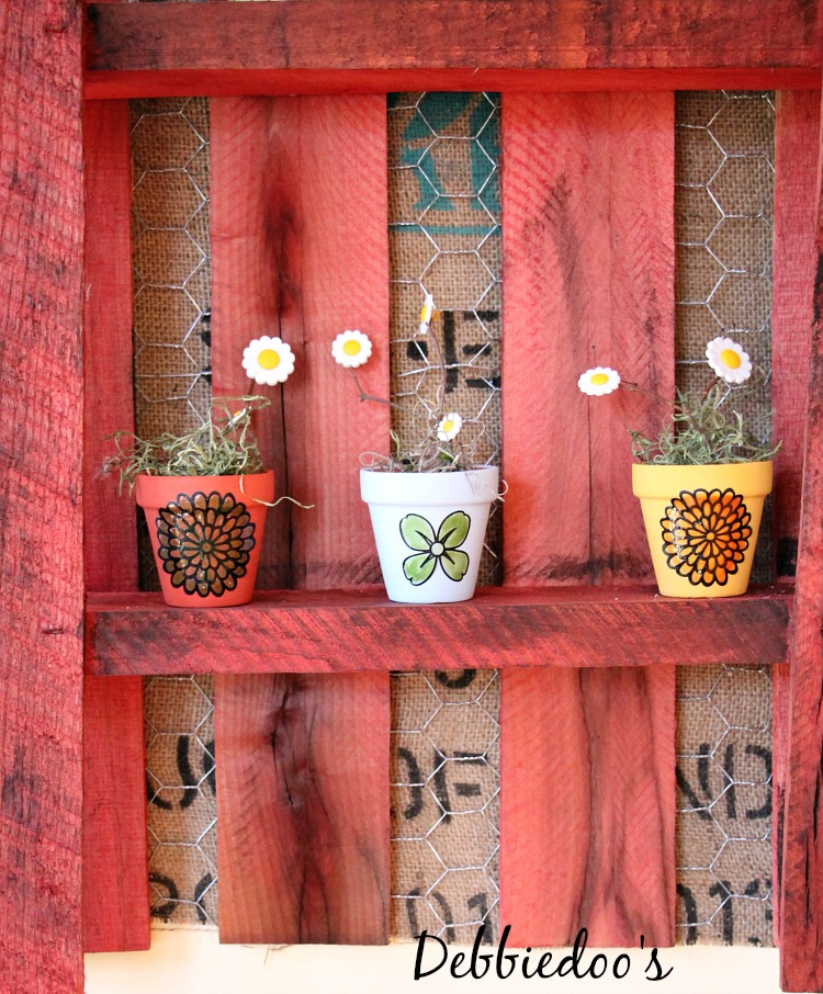 Mini terra cotta pots from the dollar tree & Mini terra cotta pots table top party decor idea - Debbiedoos