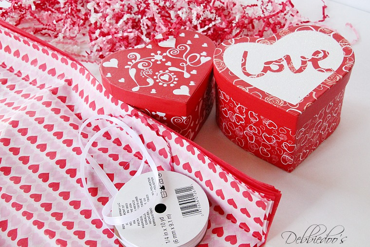 Special packaged and presented Valentine treats 001