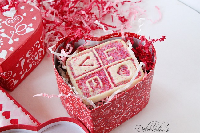 Special packaged and presented Valentine treats 004