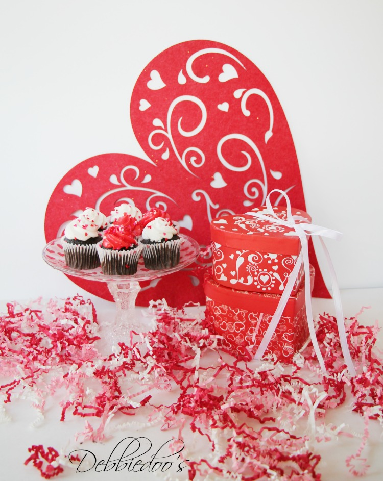 Special packaged and presented Valentine treats 034