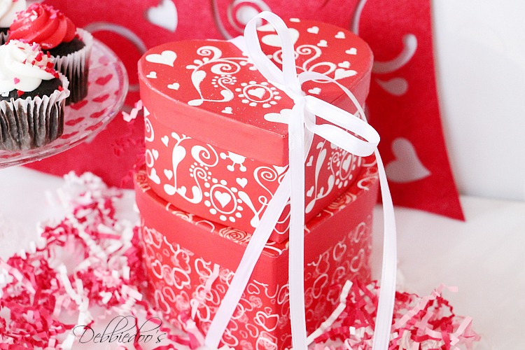 Special packaged and presented Valentine treats 038