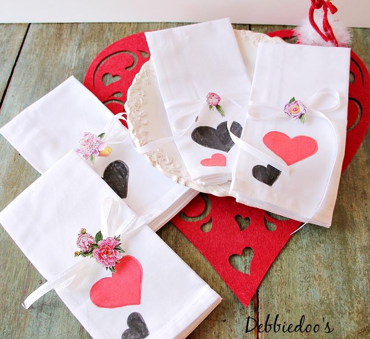 diy valentine napkins 029