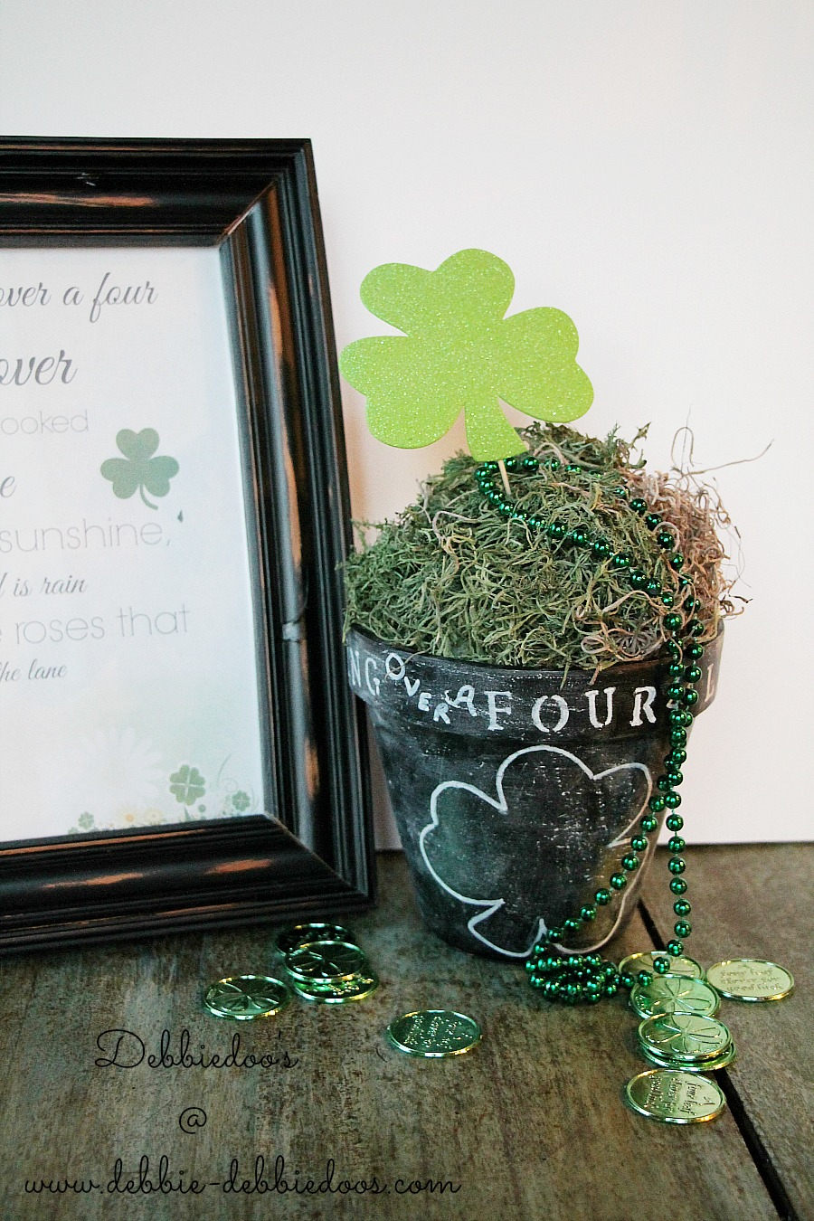 I'm looking over a four leaf clover pot and printable