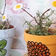mini-terra-cott-pots-decorated-with-Martha-stewart-liquid-glass-clings