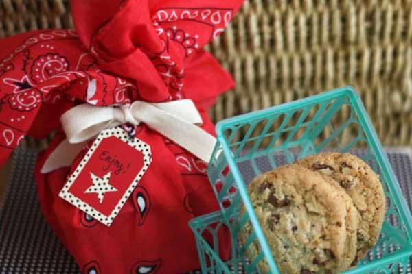 _DIY-Cookie-Gifts-Fruit-Basket-Bandana_#bakerybecause