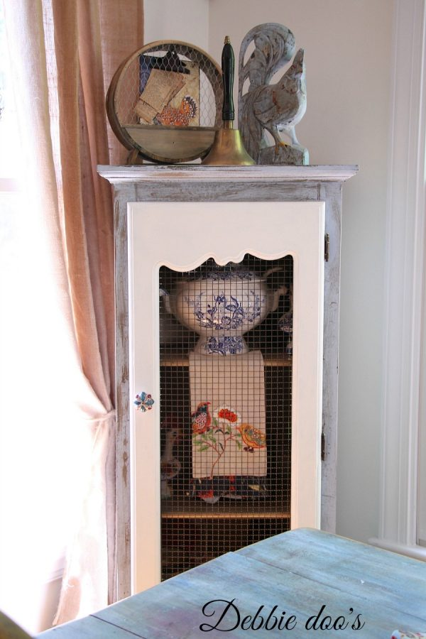 Painting a pie safe with Annie Sloan chalk paint