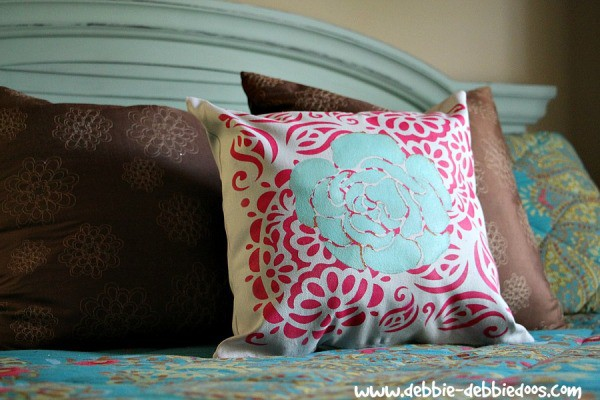 Tulip-stenciled-pillow-600x400