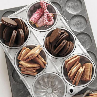 Cookies in tins #bakerybecause