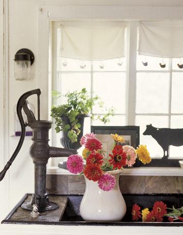 Kitchen-Sink-Iron-Faucet-CL