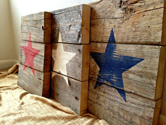 recycled wood with stars pallet