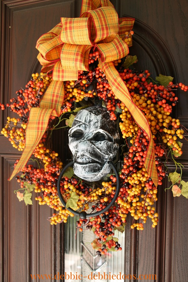 Door wreath with dollar tree skeleton head