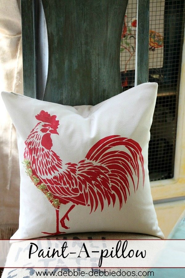 Rooster paint a pillow