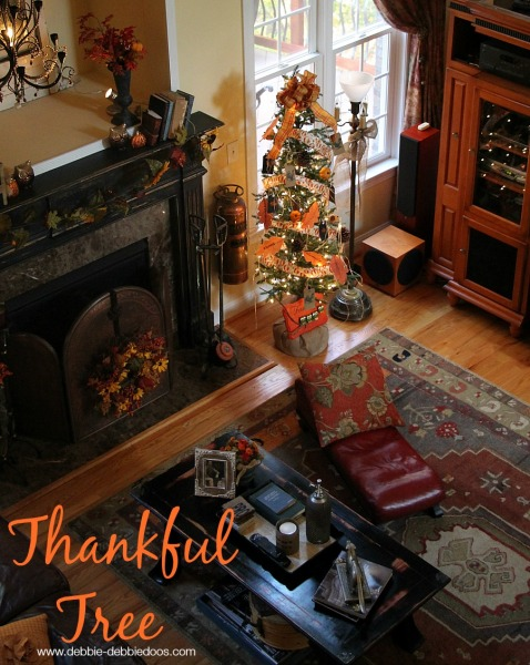 Thanksgiving thankful tree in family room 010