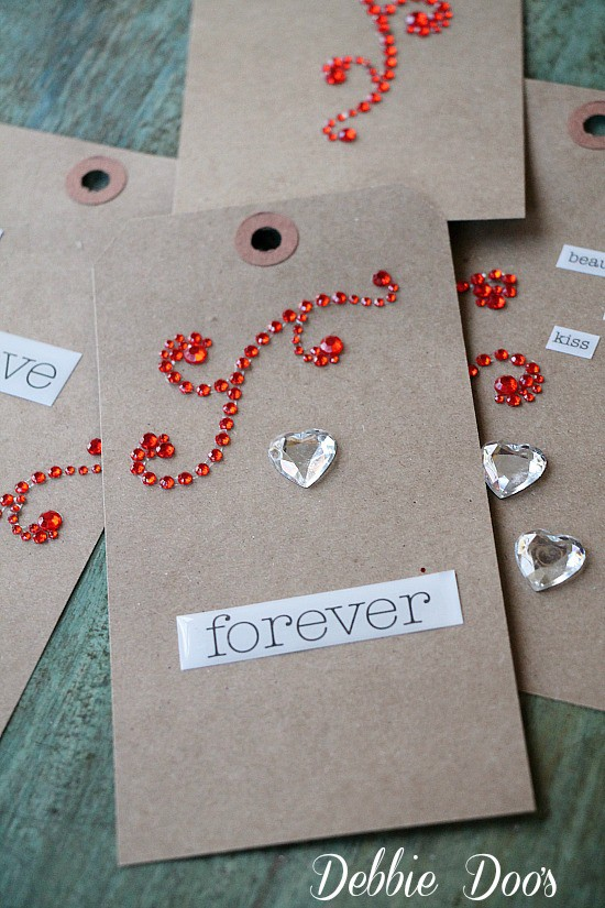 How to make a Valentine banner with gift tags