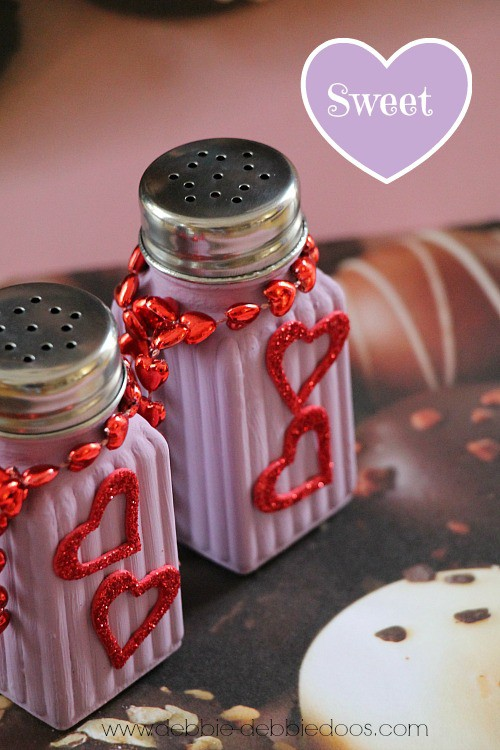 diy Valentine salt and pepper shakers