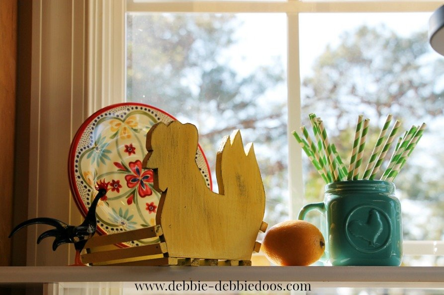 Rooster makeover and Spring shelf 004
