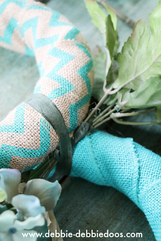 How to make a bunny burlap wreath