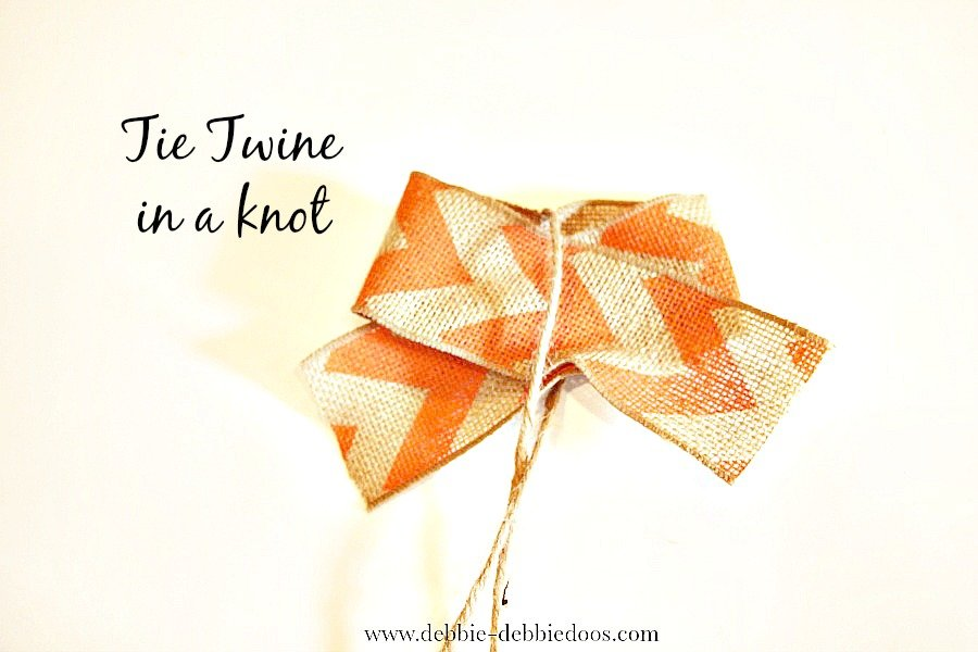 how to make a burlap bow in less than a minute