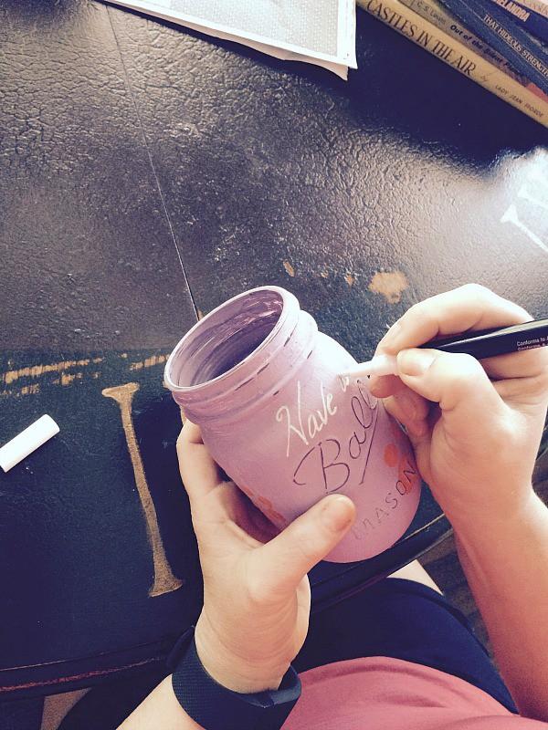 How to make a college mascot mason jar